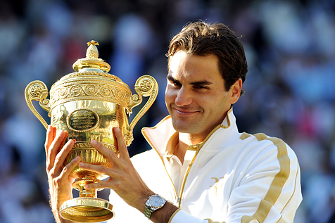 Roger Federer with Wimbledon Championship 2009